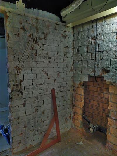 stenen muur stucen
